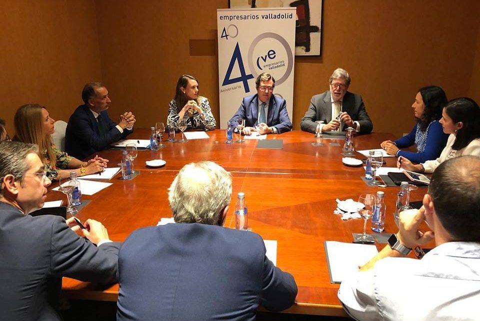 El Comité Ejecutivo de CVE mantiene un encuentro con el Presidente de cepyme y candidato a la presidencia de ceoe
